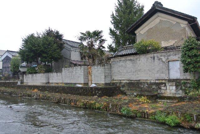 江戸時代にはここから水運を活用して荷物が運び出されていました。