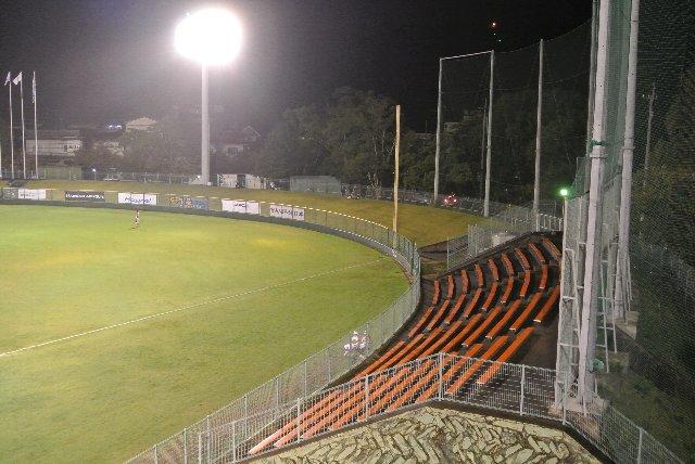 この座席が威力を発揮するのは高校野球の地区予選ですかね。