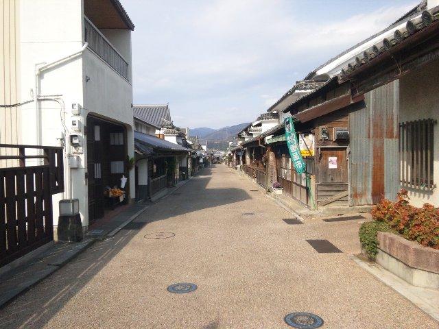 訪れる人も少なく、ゆっくりと町並みを眺めることができます。