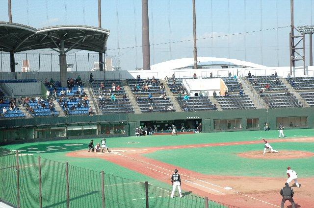 第二競技場も観戦エリアのある立派な競技場、サッカーなどで使用されることが多いそうです。