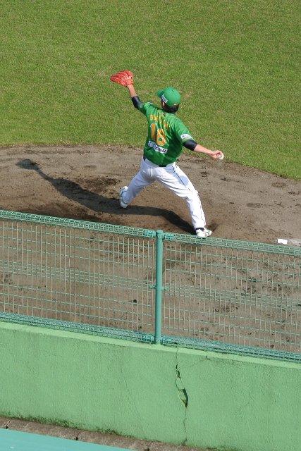 ブルペンで準備をするのは、2011年シーズンまで阪神に在籍した杉山さんです。