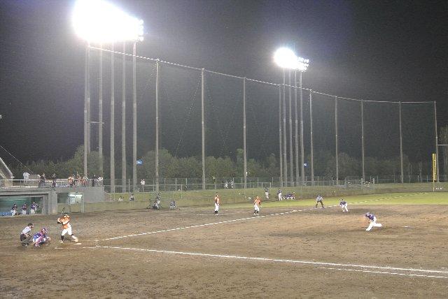 色々な角度から撮影し易い、うち好みの球場でした。