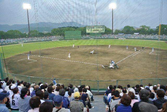 浜松球場しかり、昔のナゴヤ球場しかり、東海地方って意外とこの形状が好きなのかも知れない。