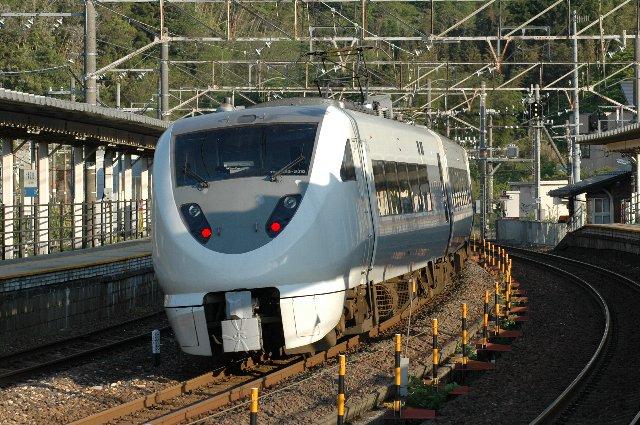 試合が少し早く終わり、一本前の普通列車に間に合ったので新疋田駅に立ち寄って見る。