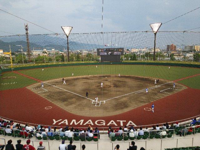 山形市総合スポーツセンター野球場(きらやかスタジアム)