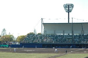 猫屋敷を除くと、埼玉で最も設備の整った球場...と話す人も多い。