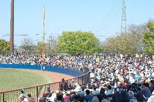 球場を存分に楽しみたい、野球をじっくり観戦したい...という環境では無かったな。
