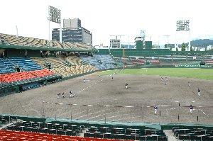 旧市民球場で草野球をできたことって、良い思い出になるんでしょうね。