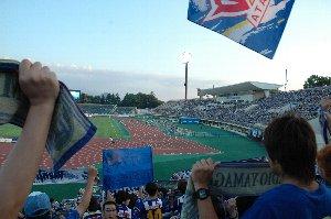 小坂太郎氏曰く、牧歌的な良い雰囲気のスタジアム