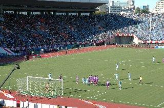磐田も広島に負けず劣らず、果敢に攻めてきます。お互い積極的に攻め合った分、観ていて楽しい試合になりました。
