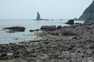 人が少ないのが何より嬉しい。岩に近づいて海を見ていると、溶けそうな感じでした。