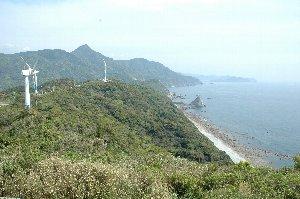 野間岬は灯台までは道が通じていないので、ウィンドファームから眺望を楽しみます。