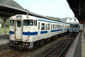 九州はディーゼル車の天国、今回乗った列車は全て軽油で走る乗り物でした。