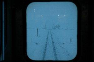 窓枠の中だけが写った画像、なかなか意味深なものがありますね。
