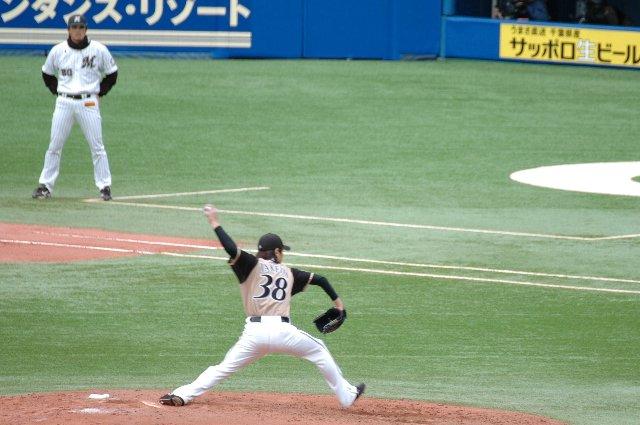 今日は三塁側(マリンシート)に陣取ったため、左投手は基本的に背中しか見えません。