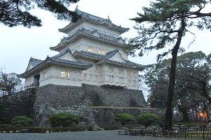 小田急⇔東海道線の乗換えで何度も利用する駅だが、お城に行ったのは初めてだな。
