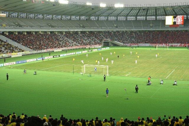 茨城と千葉のチームの対戦を西東京で開催するというのは、なかなか笑えるマッチメークだ。
