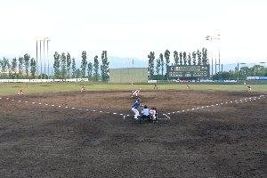 ネット裏で、金網にレンズを突っ込んでの撮影がやりやすい球場だった。