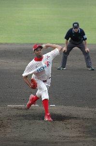 7回二死満塁で登板、カラバイヨに今日二本目となる場外弾を喰らう。