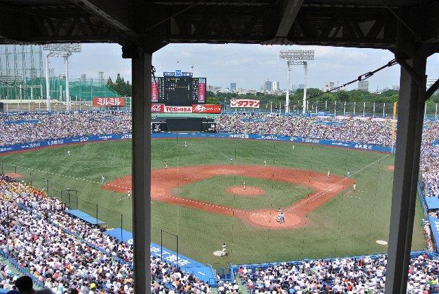 スタンドに詰めかけた大半の人は日野高校を応援していた。25,000人近い人達に応援されるなんて、人生でそうそうあることぢゃない。甲子園には行けなかったが、胸張って行こう!