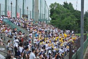 地元期待の日野高校登場とあって、八王子市民球場は試合開始前には満席となった。