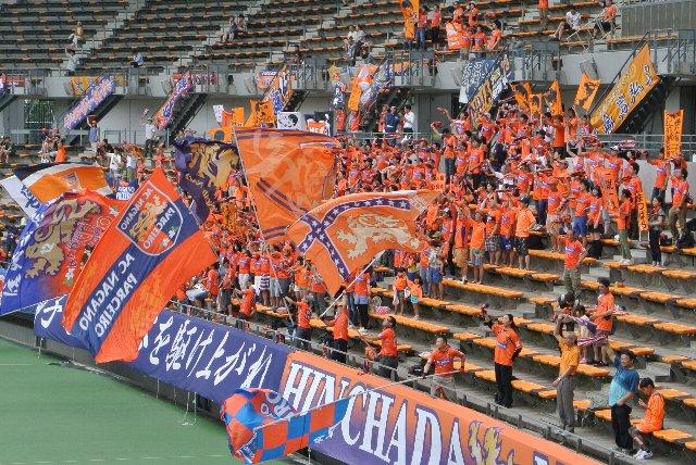 AC長野のサポーター、元気が良いので結構好きです。