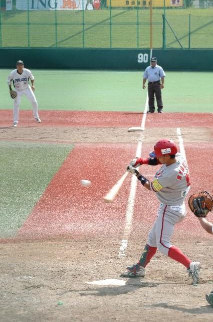 内野手にエラーが相次ぐ中、三塁・遊撃を守る涼賢と、捕手の笹平の好守が光った。