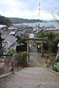 牛窓神社参道から見る牛窓港。