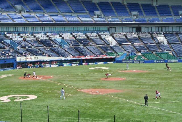 球場の画像を撮影するのがメインとは言え、あまりにも盛り上がりに欠ける試合内容だった。