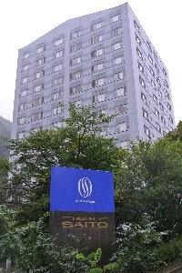 最上階は12階になります。この温泉街にそんな建物必要か?