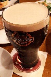やっぱり、ビヤホールと言えば黒ビールでしょう♪