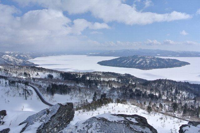 湖越しに摩周岳の稜線もくっきりと見えました。