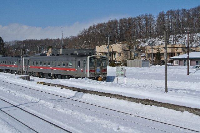 今回の旅で、道内に入ってから初めて見る列車です。