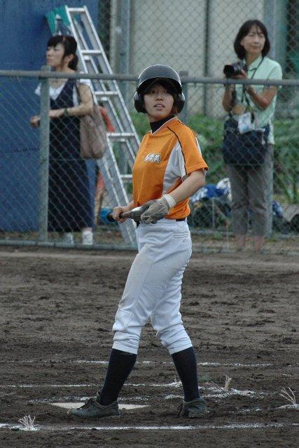 多摩美大の選手達、おおよそ野球をするとは思えぬ、グラマラスな体型な選手が多かった。