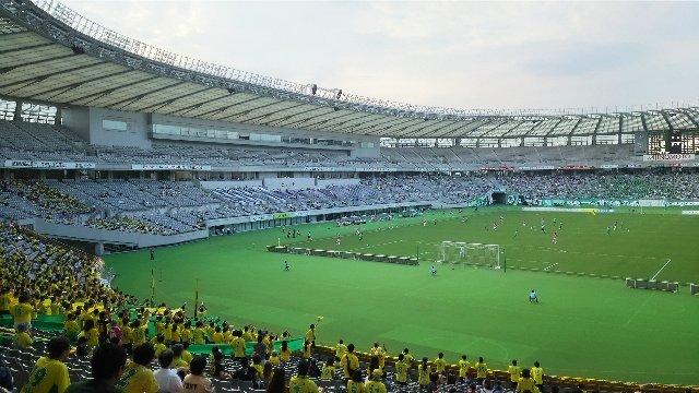 5万人収容のスタジアムで、観客はたったの6000人。