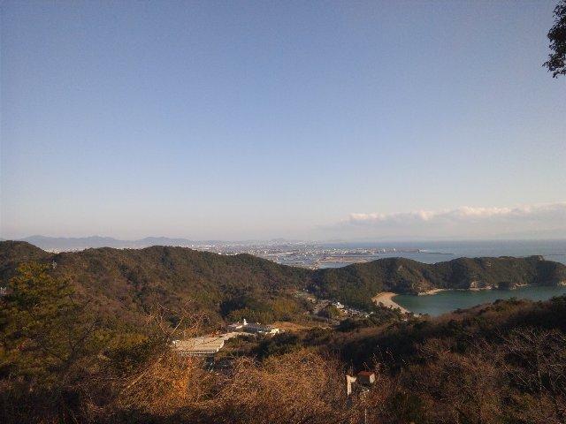 地図によっては「大鳴門橋を眺望」と書かれてますが、実際には「遠望」できる程度です。