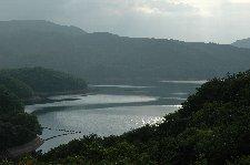 ごくごく普通のダム湖です。