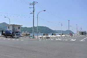 画像の右手にフェリー待合室がある。佐賀関へ向かうフェリーはほぼ一時間おきに運航されている。