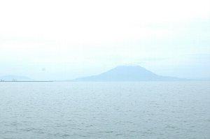 鹿児島へ来たからにはこの風景は外せないでしょう。