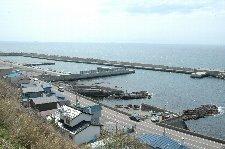 恵山まで小さな漁港が延々と続きます。