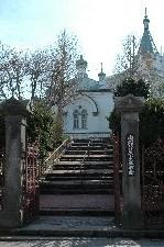 この階段越しに見えるモスクの風景が好き。
