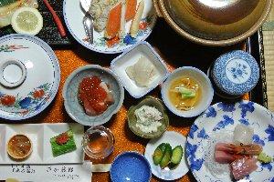 地元で取れた新鮮な魚介類をふんだんに使った美味しい夕食でした。