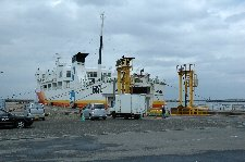 大間から函館へ渡り、小樽へ移動し、新潟行フェリー乗船も真面目に考えた。