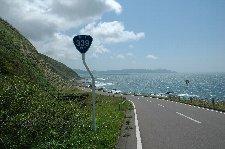 小泊まではずっと海沿いの気持ちよい道。