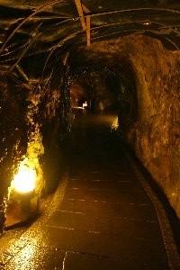 やはり暑い日には鉱山、鍾乳洞に行くに限りますな。