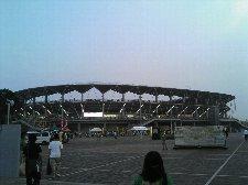 川崎製鉄の敷地内に新たに建設されたスタジアムです。