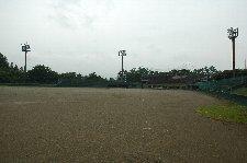 こういった球場でもプロの試合が開催されるようになり、独立リーグの果たす役割は大きいと思う。