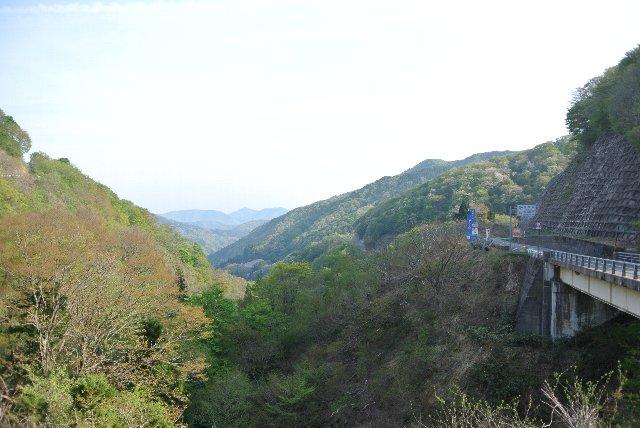 滋賀県側は良く整備されており、福井県側が整備されるとかなり走り易い峠道となるはず。