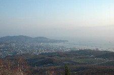 新潟港から利用したフェリーが到着した港の方向を望む。