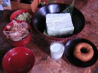 豆腐も然ることながら、このドーナツが美味いんだな〜♪